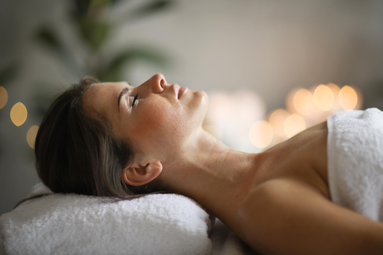 Wohlfühlbehandlungen - Wellness, Sauna und Fitness in Leer